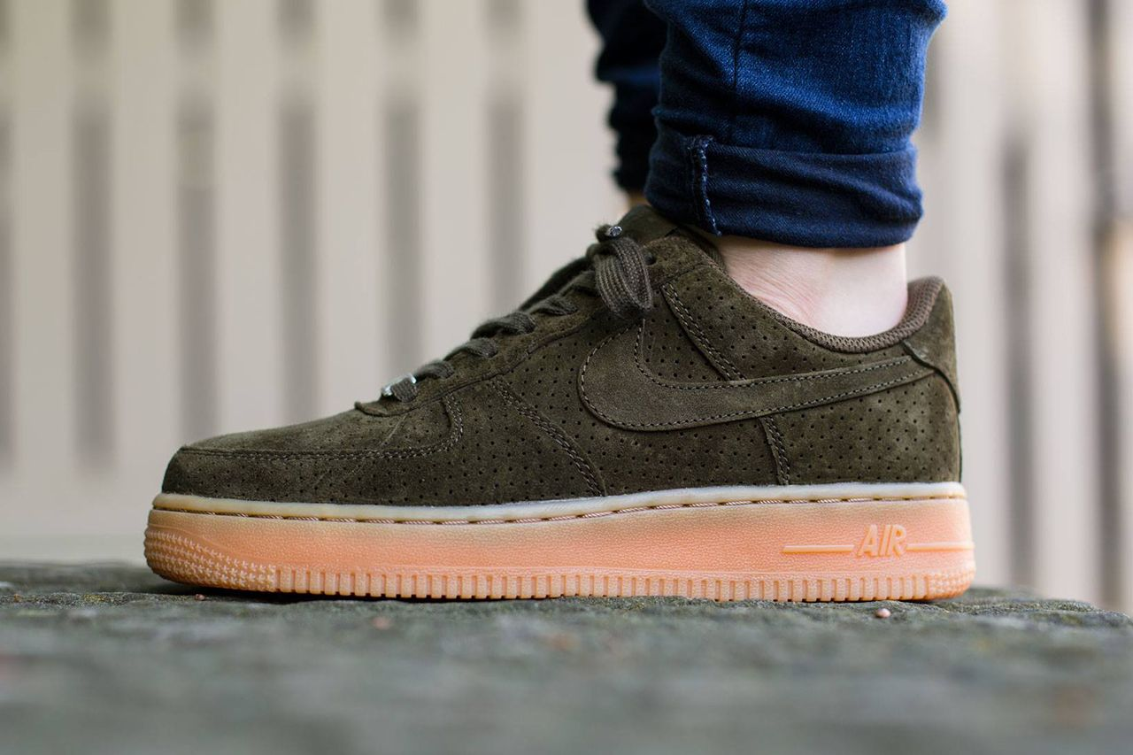 nike air force 1 07 low womens snow