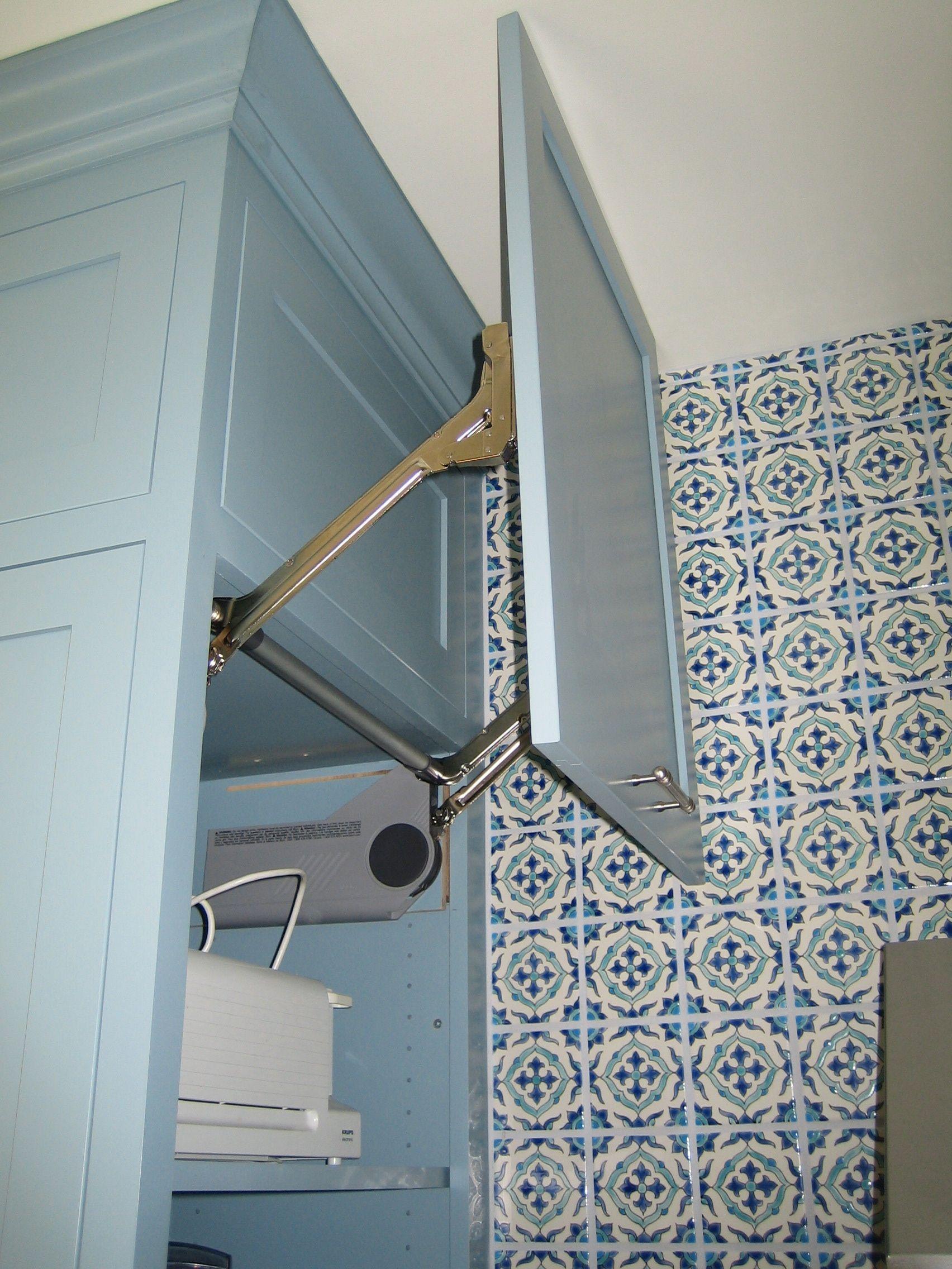 Aventos lifting door. Kitchen remodel by Beckner Contracting ...