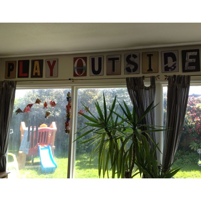 Play outside in tin