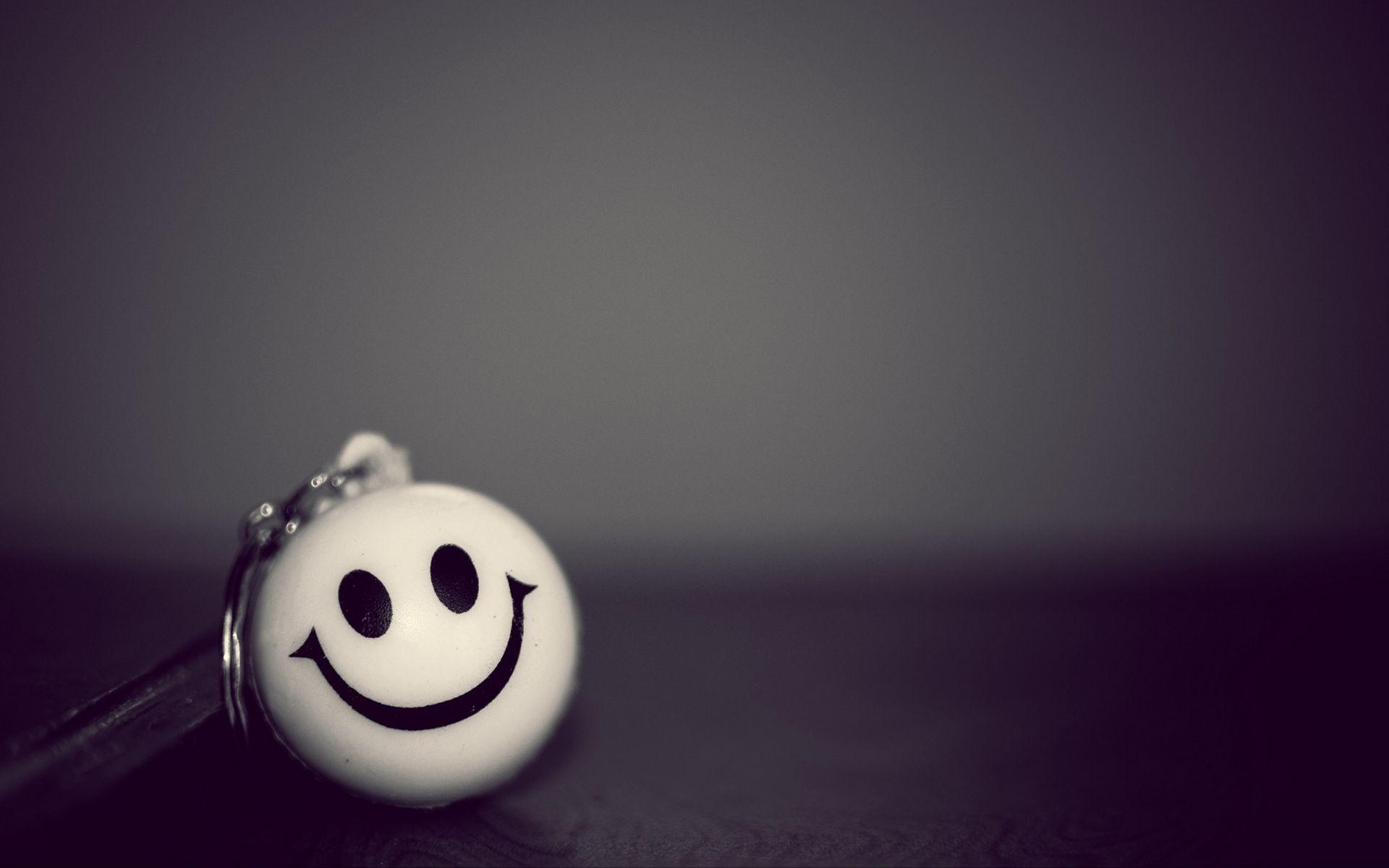 Smiling emoji HD wallpaper | Smiley, Wallpaper, Cute ...