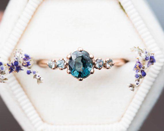 Zafiro turquesa, anillo de compromiso ovalado, anillo de cinco piedras, anillo de sirena, anillo de zafiro verde azul, racimo