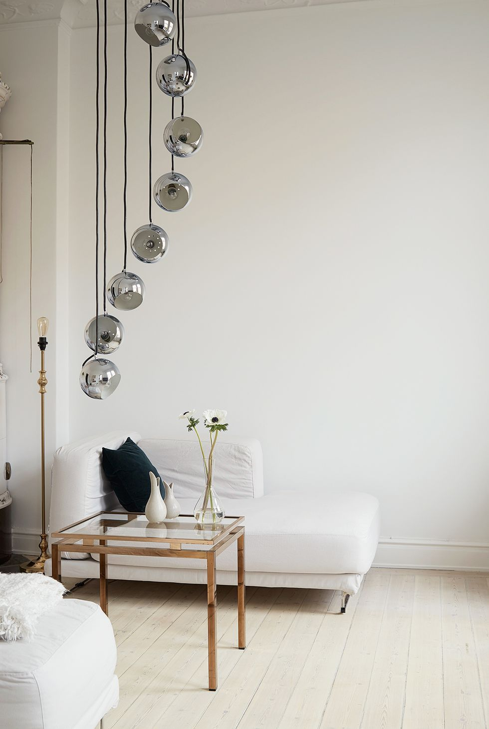 Small White Living Room In 2020 Living Room Designs Living Room Decor Items Green Walls Living Room #small #white #living #room