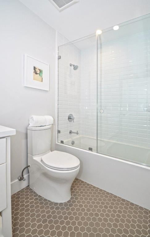 http://www.inmanteam.com/ #bathroomtile #bathroom #luxuryhome #tilework #white #bright