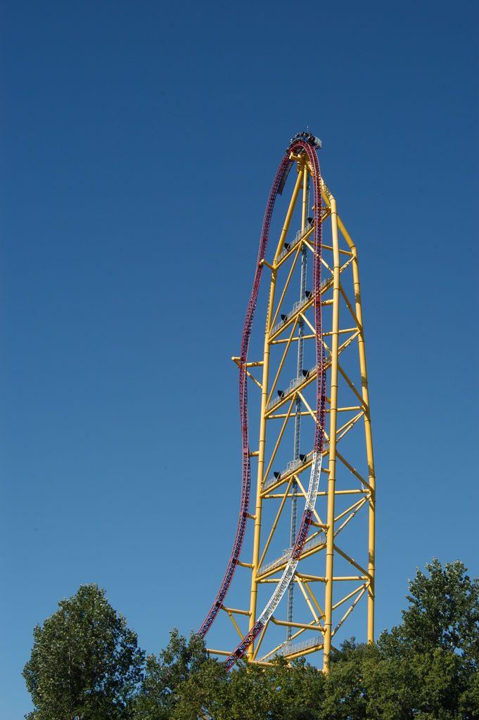 Top Thrill Dragster Cedar Point Sandusky Ohio Highest Roller Coaster Roller Coaster Cedar Point Rides