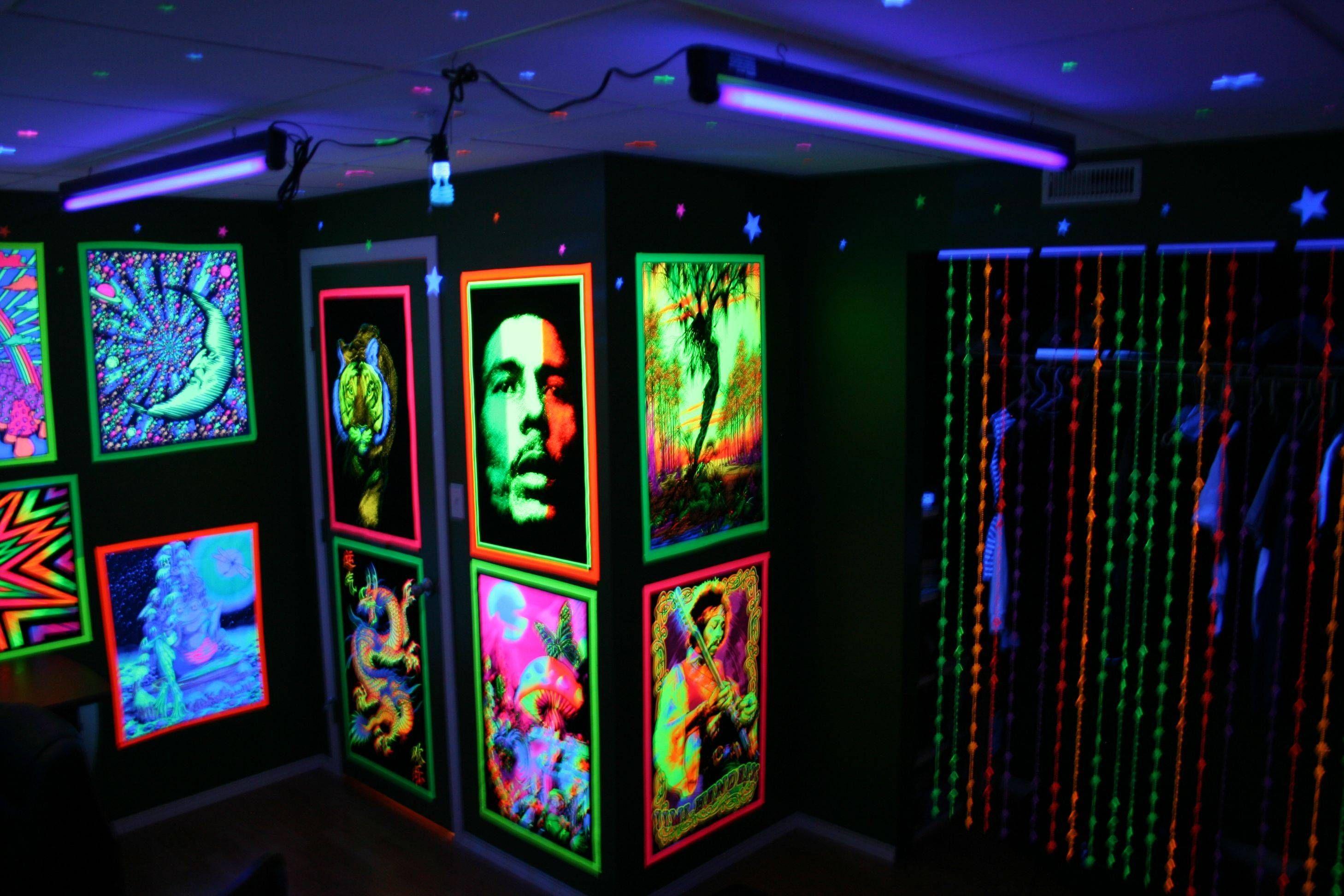 Stoner Room, Hippy Room