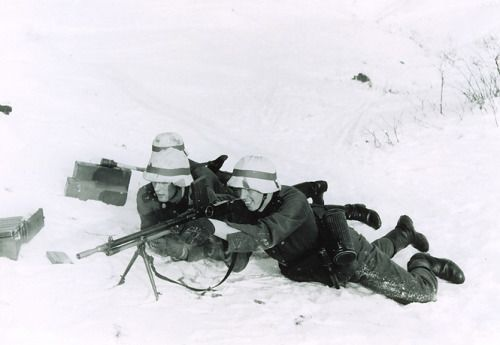 Norwegian volunteers of the Regiment Nordland (part of Wiking Division) training in a camp in southern Germany during the winter of 1940-41