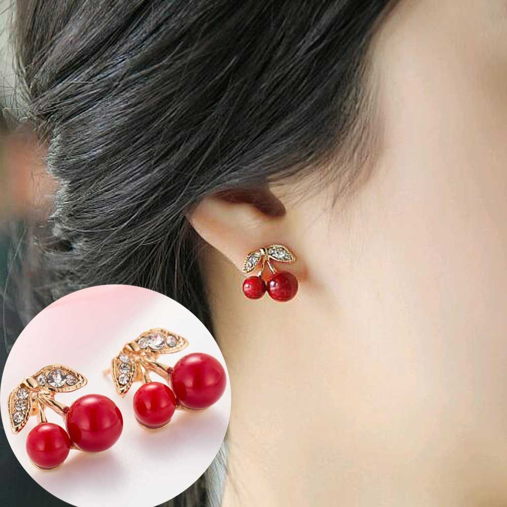 clothes bead pin and white stud woman earrings