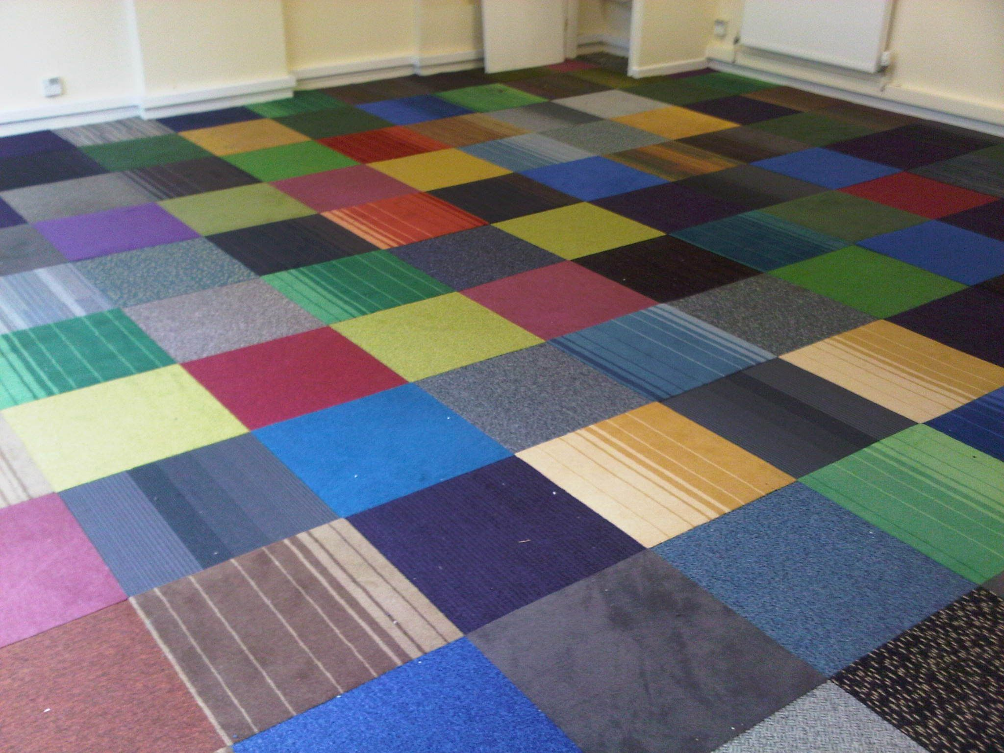 http//www.findcarpettiles.co.uk/tinyimages/New_Horizon