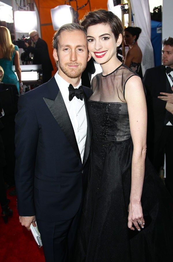 Anne Hathaway & Adam Shulman (AKA the poor man's Ryan Gosling)
