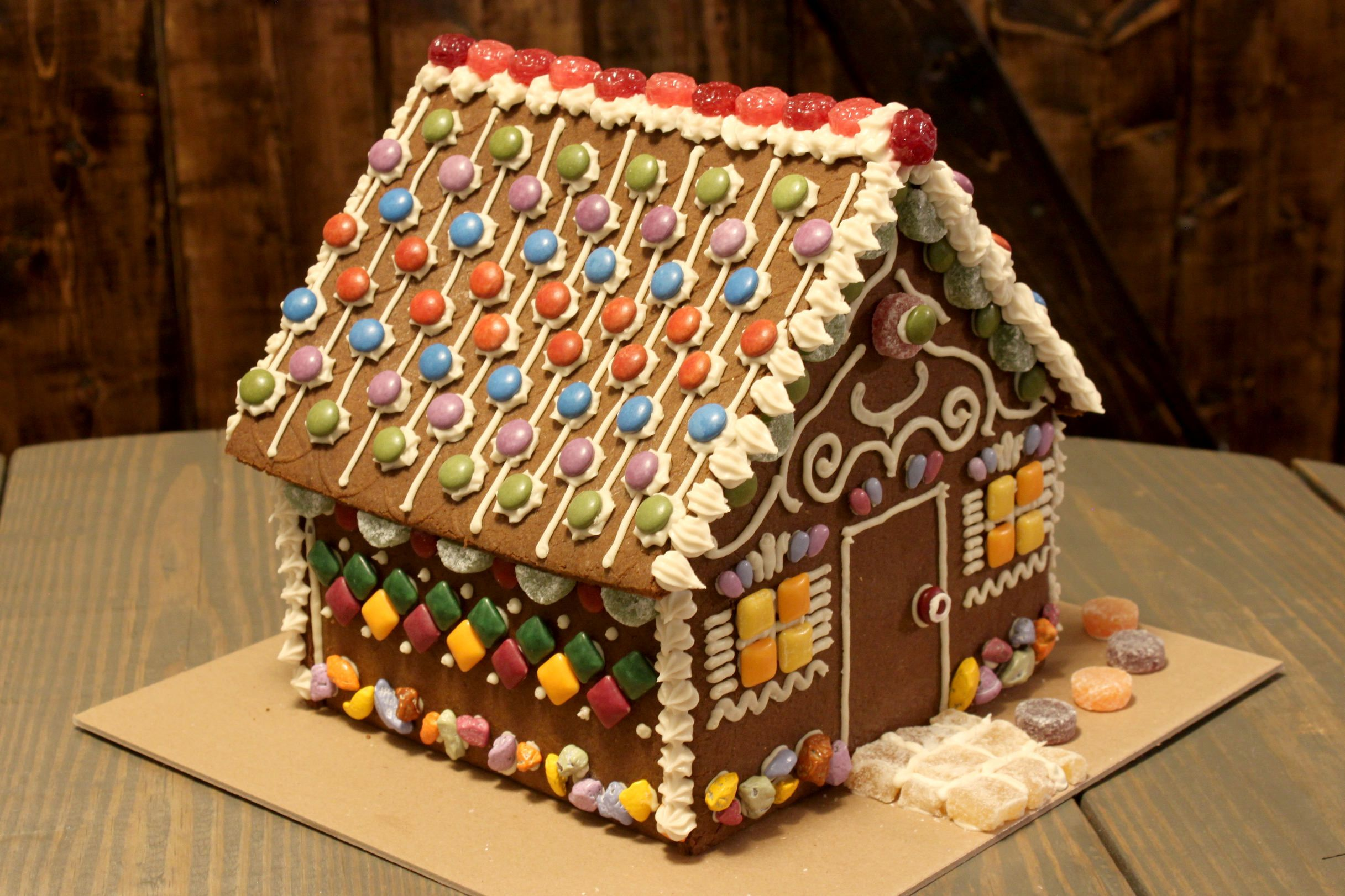 Pin by S&H5 on food 食べ物 Gingerbread house kits