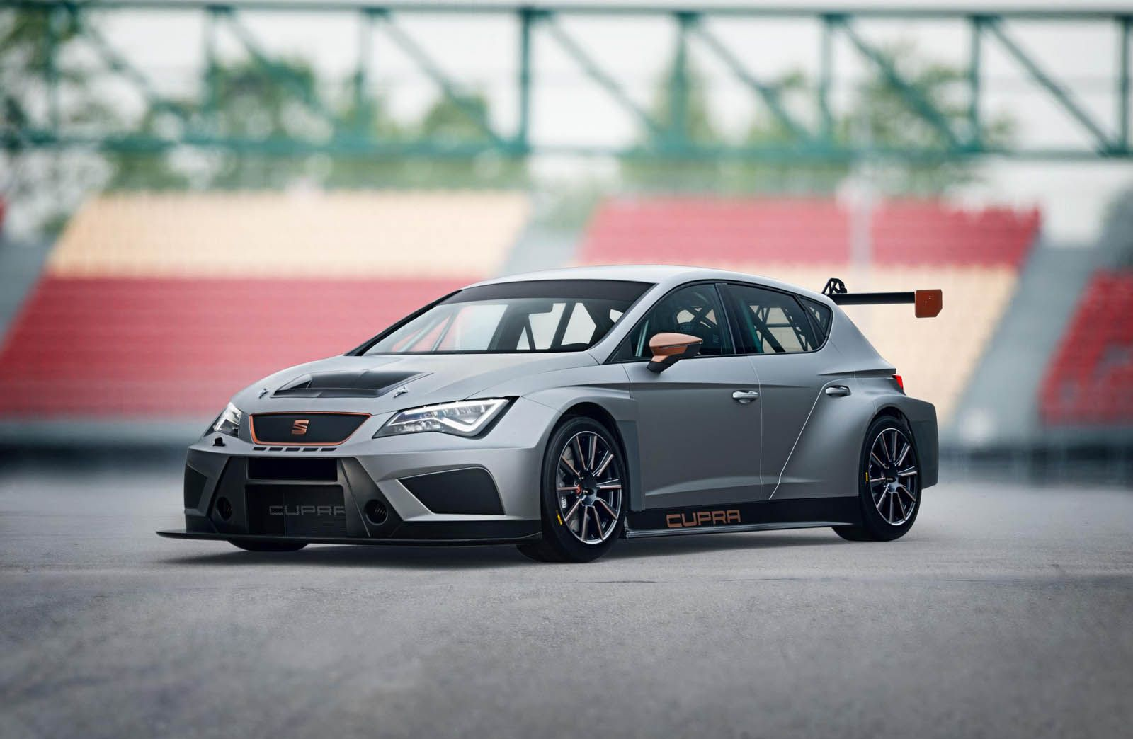 Seat S Bringing This Sick New Leon Cupra Evo 17 Racer To Geneva Carscoops Car Seat Leon Seat Cupra [ 1044 x 1600 Pixel ]