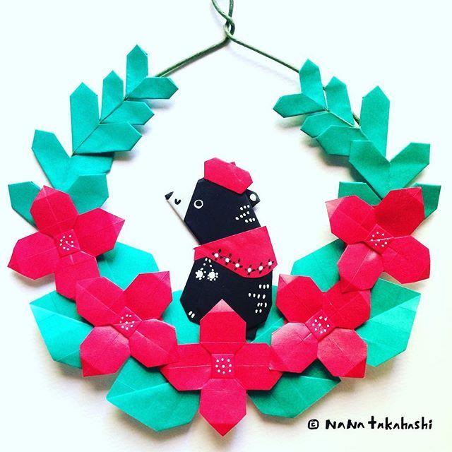 ポインセチア風リースにあったかショールとベレーのクマさん Poinsettian style wreath.  A  bear is warm with a shawl and a beret #origami  #papercraft #paperflower  #paperkawaii  #bear #shawl #bere #wreath  #garland  #walldecoration  #おりがみ  #ペーパーフラワー #ペーパークラフト #くまさん  #ショール #ベレー帽  #リース #ガーランド #ポインセチア