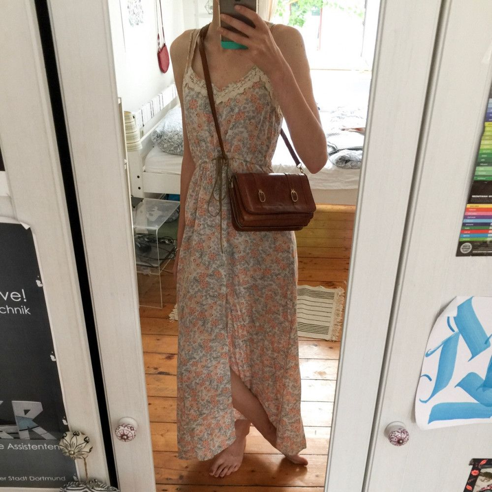 Mit einem gemütlichen langem Kleid liegst du immer bei ...
