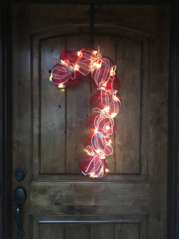 Candy Cane Christmas Wreath Door Merry Christmas Happy Holidays #Bayouburlapandbling