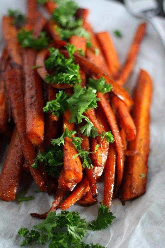 Roasted Balsamic Honey Glazed Carrots by Drool-Worthy www.droolworthydaily.com