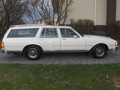 1985 Chevrolet Caprice Classic Wagon 4 Door 5 0l Image 1
