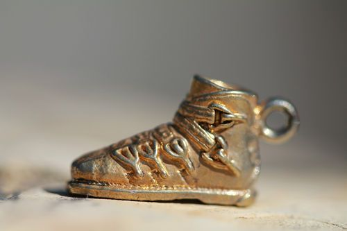 VINTAGE GOLD VERMEIL OVER 800 SILVER HIGH TOP TENNIS SHOE CHARM 4 BRACELET