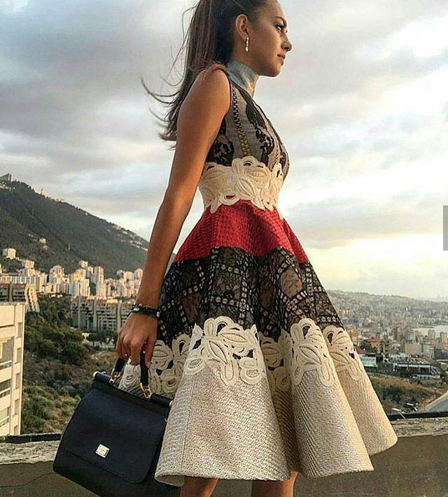 1df71d31d752862 По мнению многих стилистов, именно платья должны лежать в основе идеального  женского гардероба. Чтобы выглядеть сногсшибательно, необходимо точно  понимать, ...
