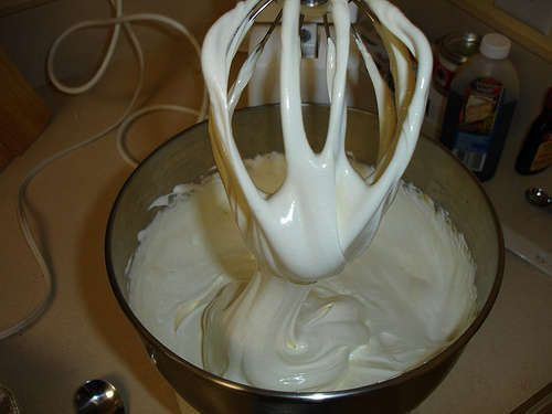 Homemade Flavored Marshmallows #flavoredmarshmallows Homemade flavored marshmallows. So cool! Seems pretty easy, too. #flavoredmarshmallows