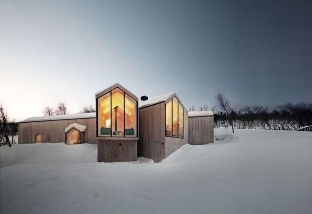 Berghütte holzhaus modern verglast reiulf ramstad norwegen