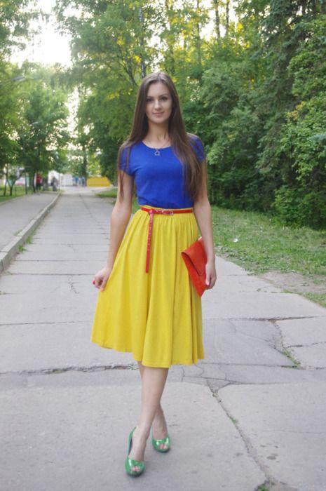 Blue & yellow snow white?