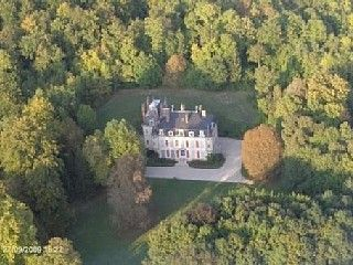 Holiday house in Château de Champagne, luxurious and low rates