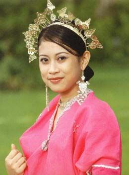Indonesian Culture, Ethnic and People Bugis girl with traditional costume The Bugis people live