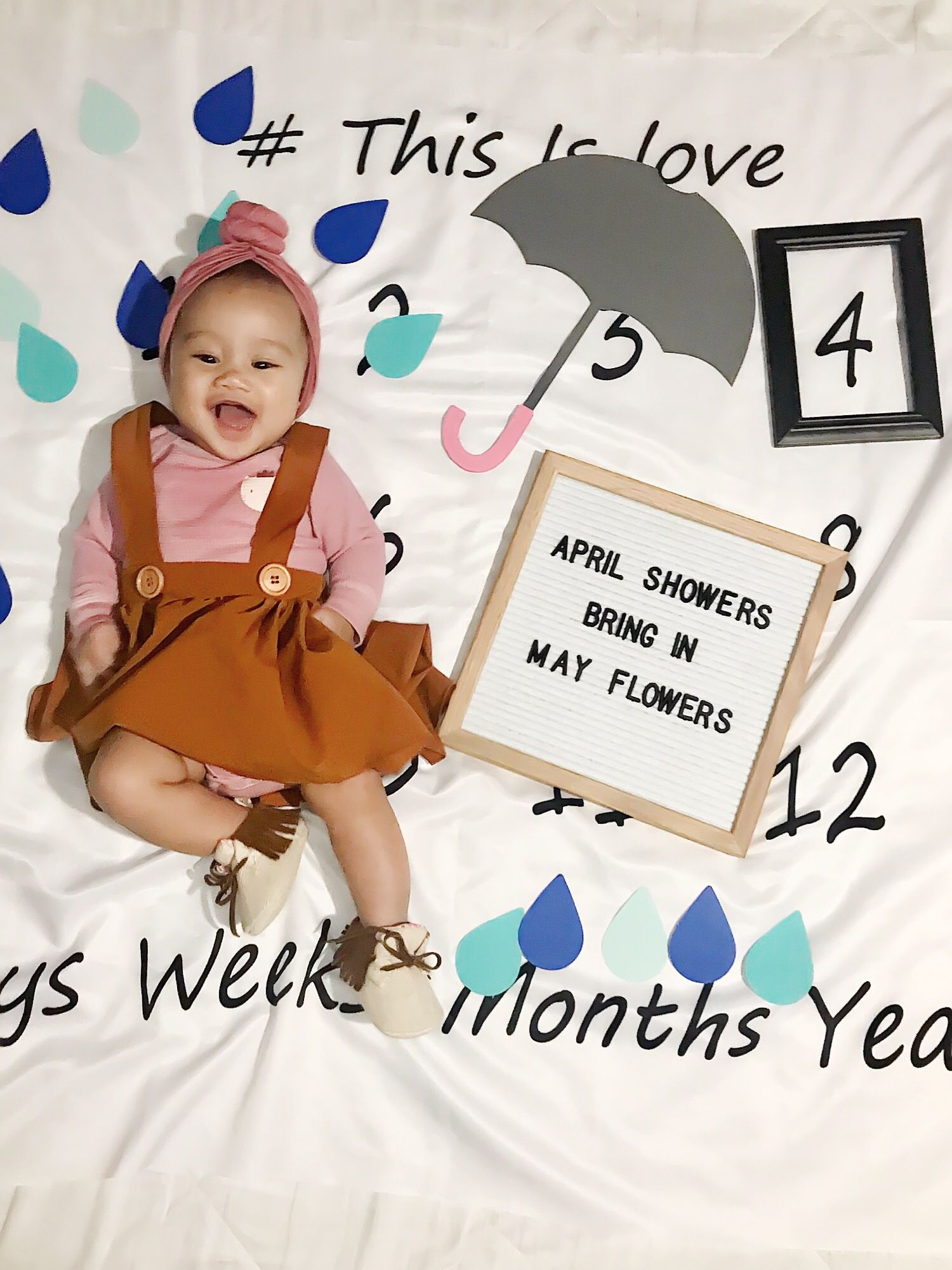 Happy 4 Months Baby Monthlyblanket Monthsary April Babyphotography Baby Photography April Showers Months