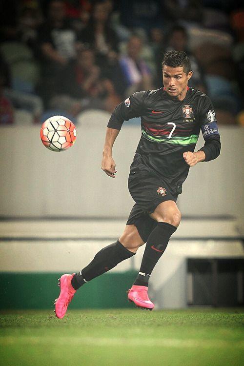 1d845317837707 Pin by slamabit on Sport News   Cristiano ronaldo, Ronaldo, Portugal ...