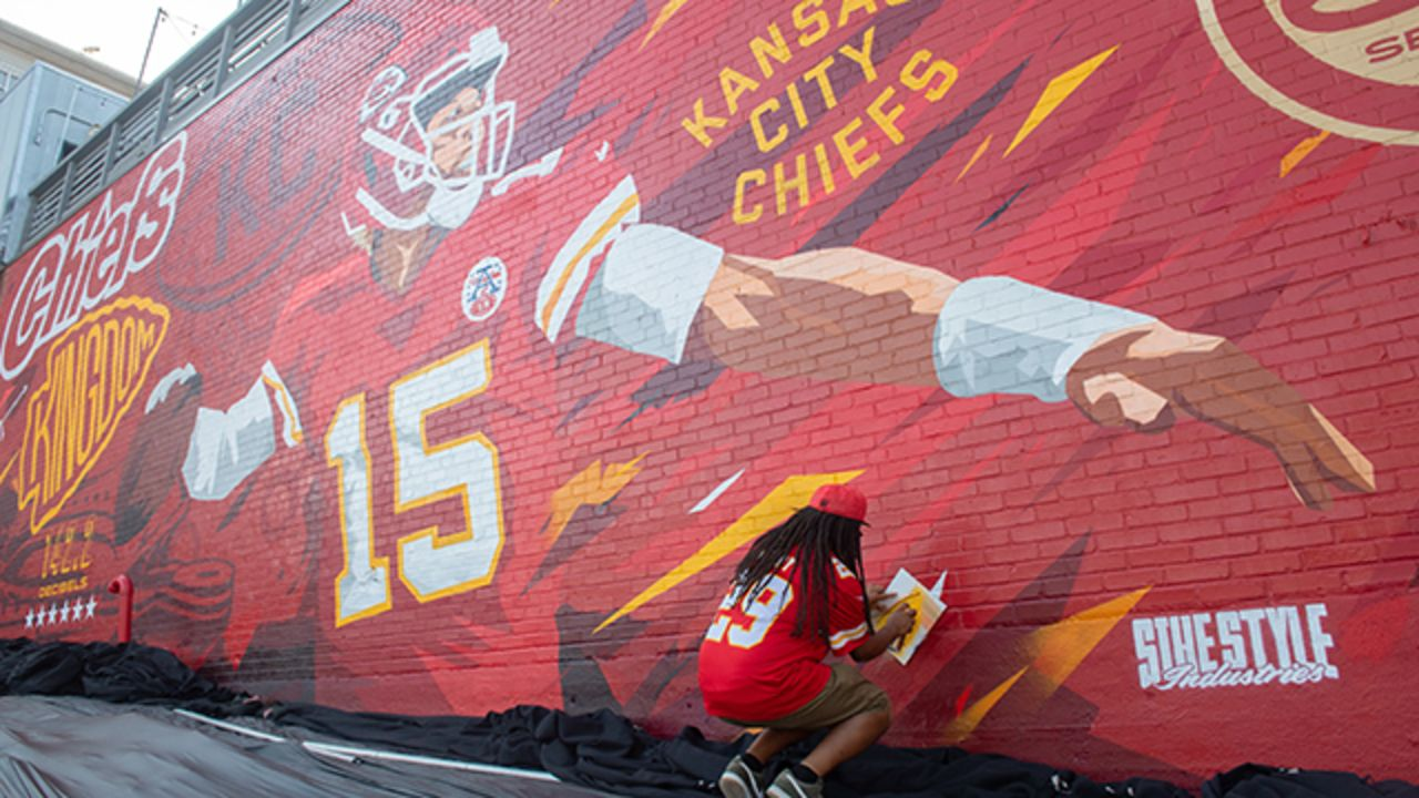 It S Mahomes Larger Than Life New Mural Of Chiefs Quarterback