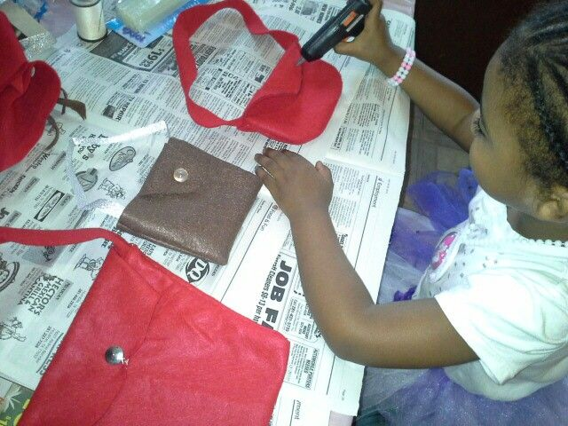 Made handbags with felt with grandbaby