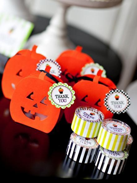 20+ Hip Halloween Decorating Ideas Halloween kids, Handmade - halloween decorations to make at home for kids