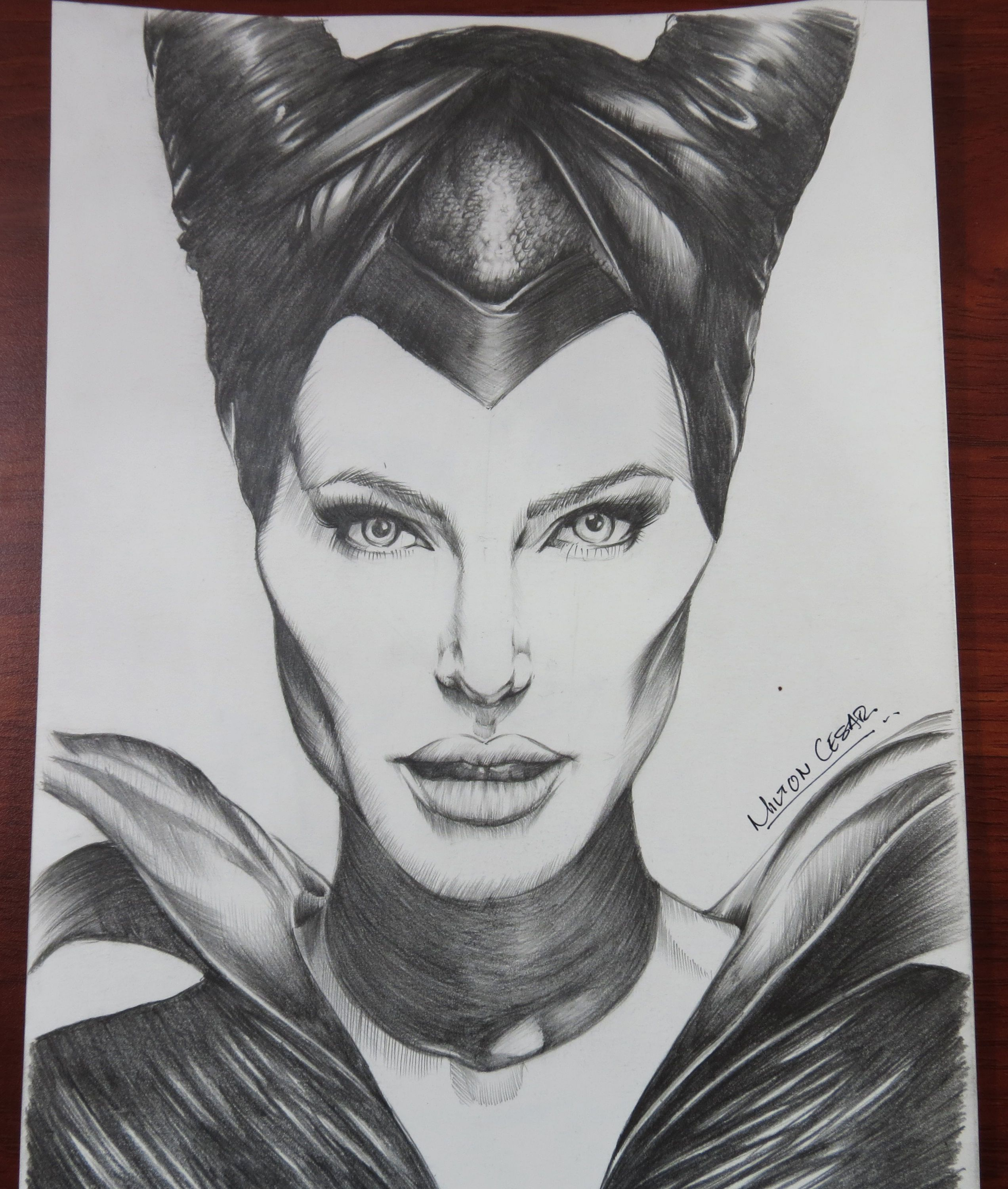Angelina jolie maleficent draw maleficent drawing realistic cartoons malificent pencil drawings art