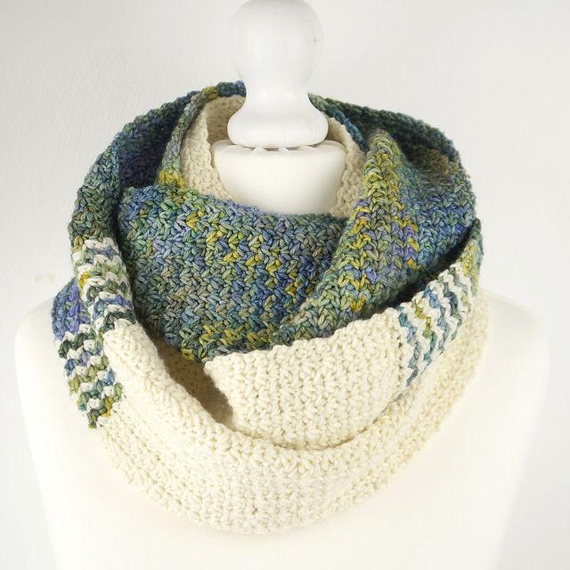 Brook Hollow Infinity Scarf pattern by Little Doolally | Yarnlust ...