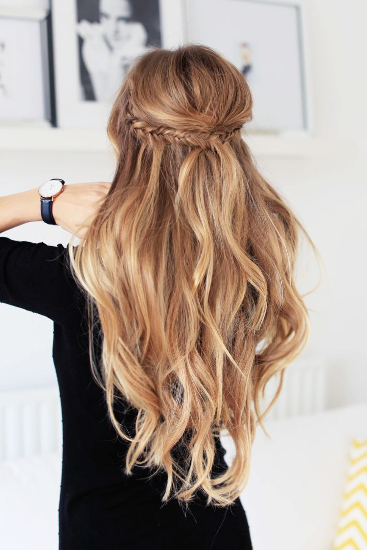 holiday half updo hairstyle | half up half down hair | long
