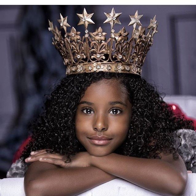 👸🏾 . .  #naturalhair #braids #essencestyle #kinkycurls #melanin #blackwomen…