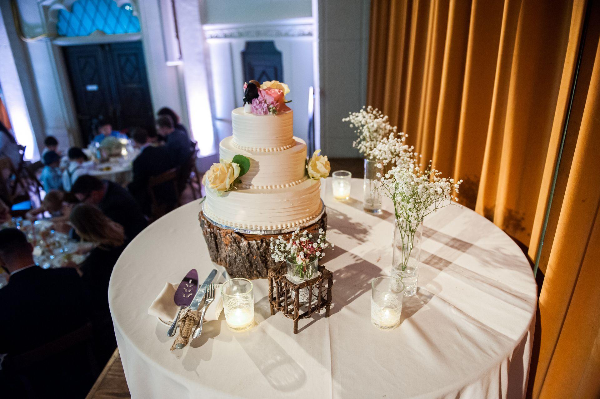 Traditional spring wedding at berkeley city club berkeley ca