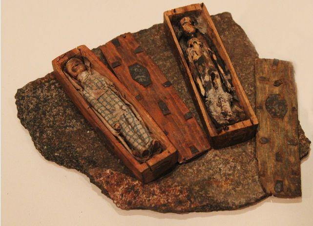 Resultado de imagem para vampire coffin