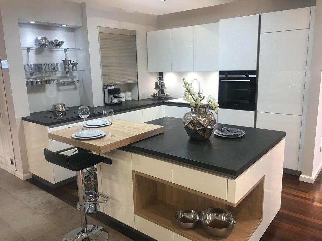 Küche Weiß Hochglanz Grifflos