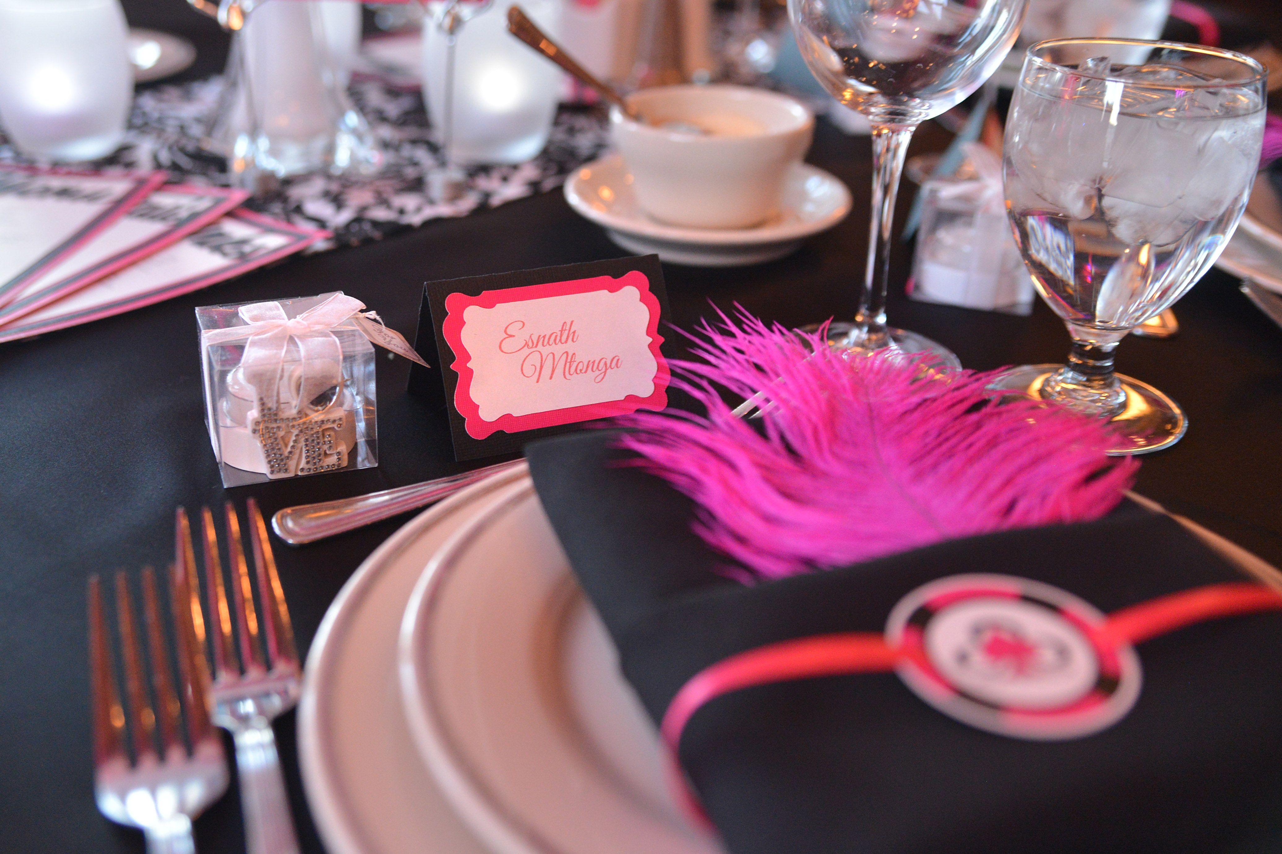 Place setting. Poker chip napkin holder | Our Las Vegas Wedding ...