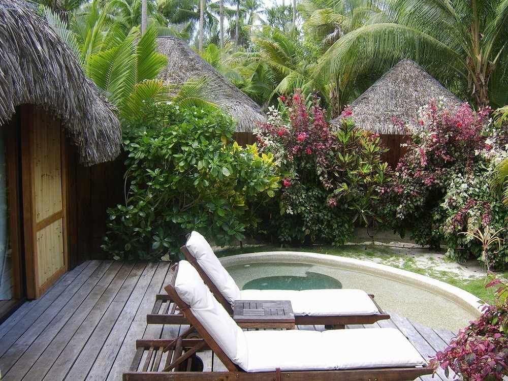 Garden Bungalow Jacuzzi Bora Bora Pearl Beach Resort