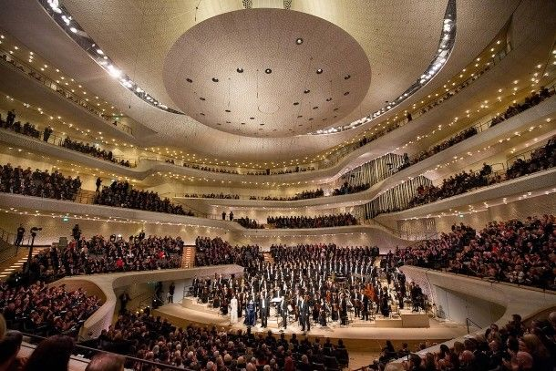 After Working In The Vineyard Of Music Thomas Hengelbrock Center And The Ndr Orchestra Elbphilharmonie Thank The Audience Of Th Konzerthalle Hamburg Konzert