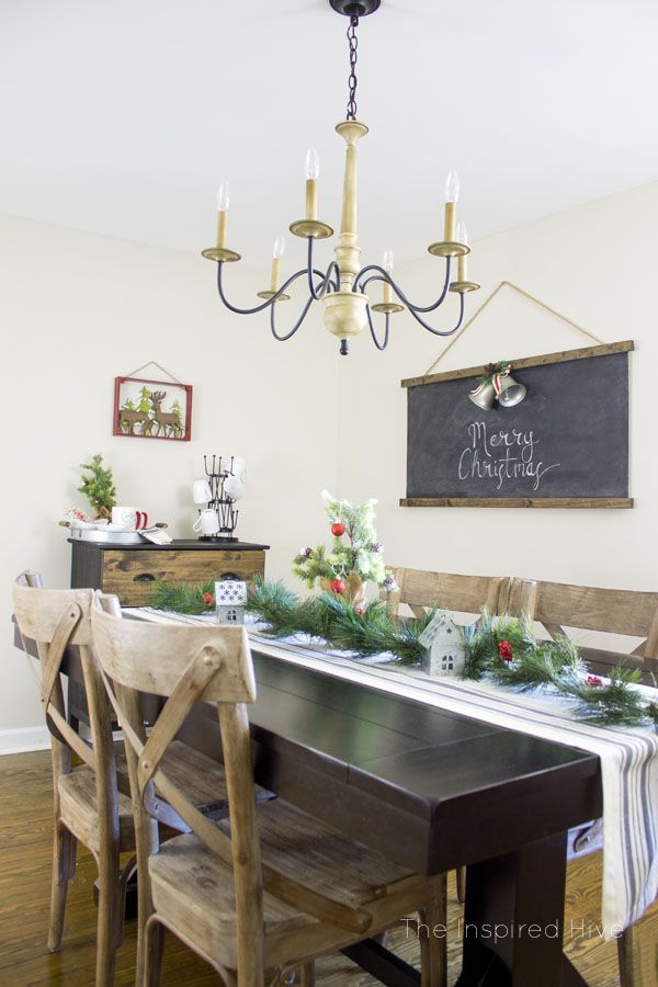 Classic Christmas Decor In A Farmhouse Style Dining Room