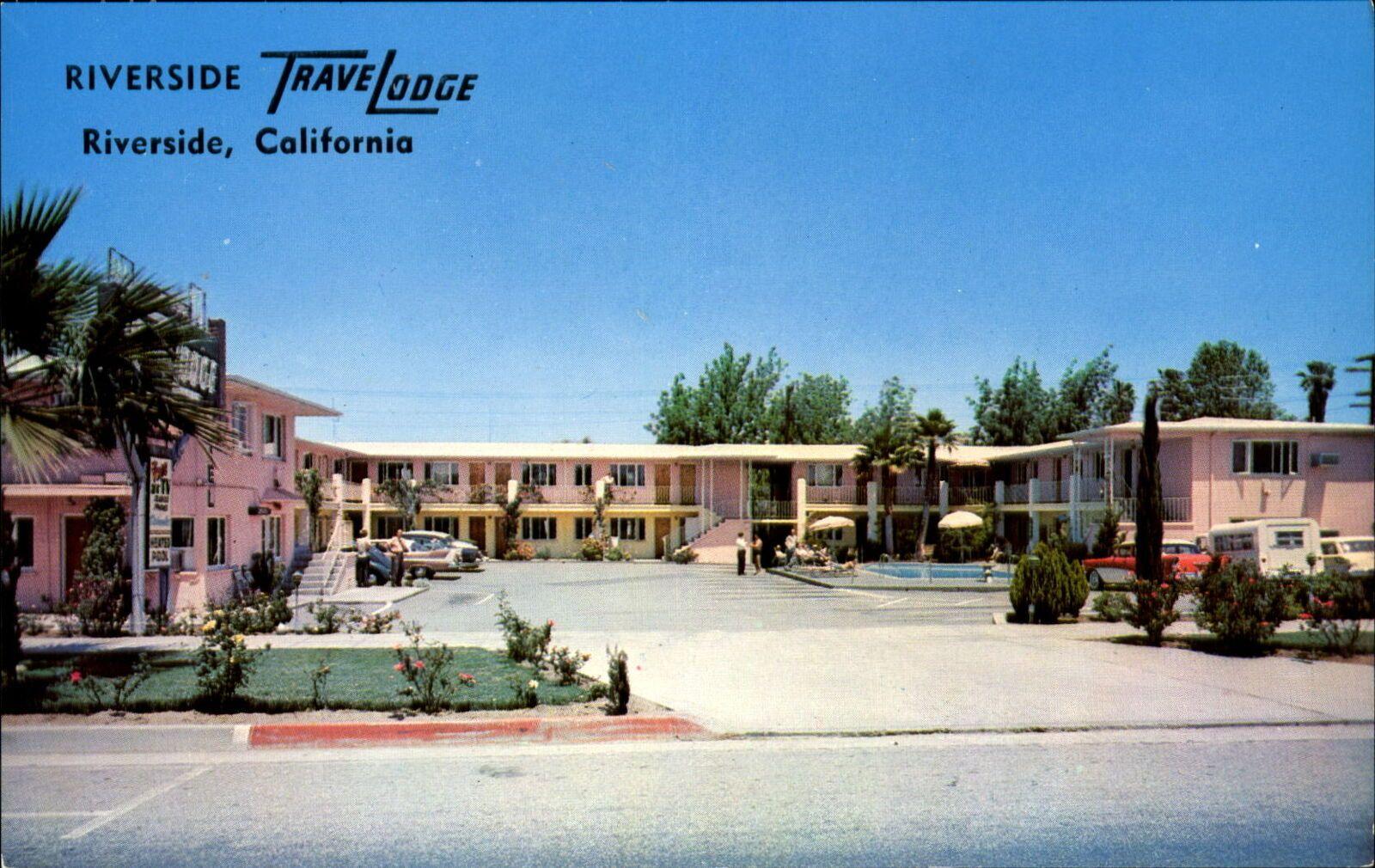 Riverside Travelodge Riverside California Pink Motel Swimming Pool 1950s Cars Ebay Riverside California Swimming Pools Riverside