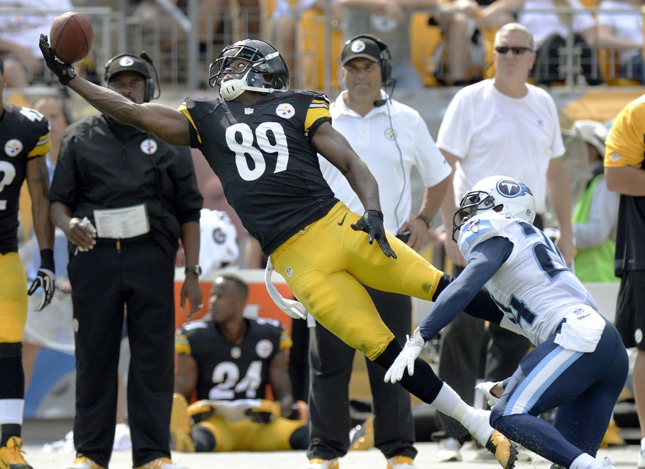 Pittsburgh Steelers Wide Receiver Jerricho Cotchery 89 Cannot Catch A Pass In Front Of Tennessee Titans Cornerba In 2020 Steelers Football Steelers Team Pgh Steelers