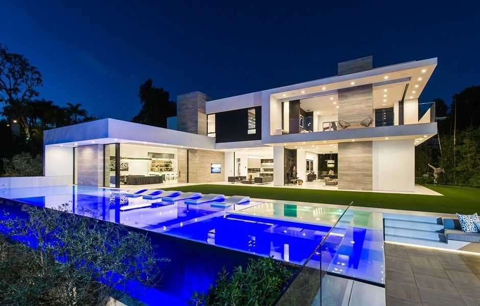 Los angeles homes neighborhoods architecture and real for Modern luxury real estate