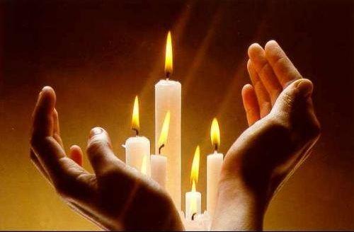 Épinglé par Mélanie sur PRIERE   Bougies dans cheminée, Photo bougie,  Bougies deuil