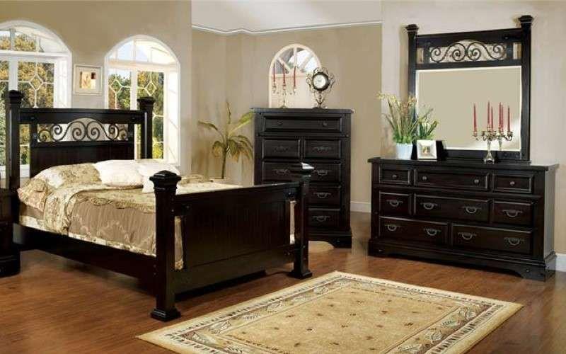 Camera da letto in stile country - Arredi scuri per camera country ...