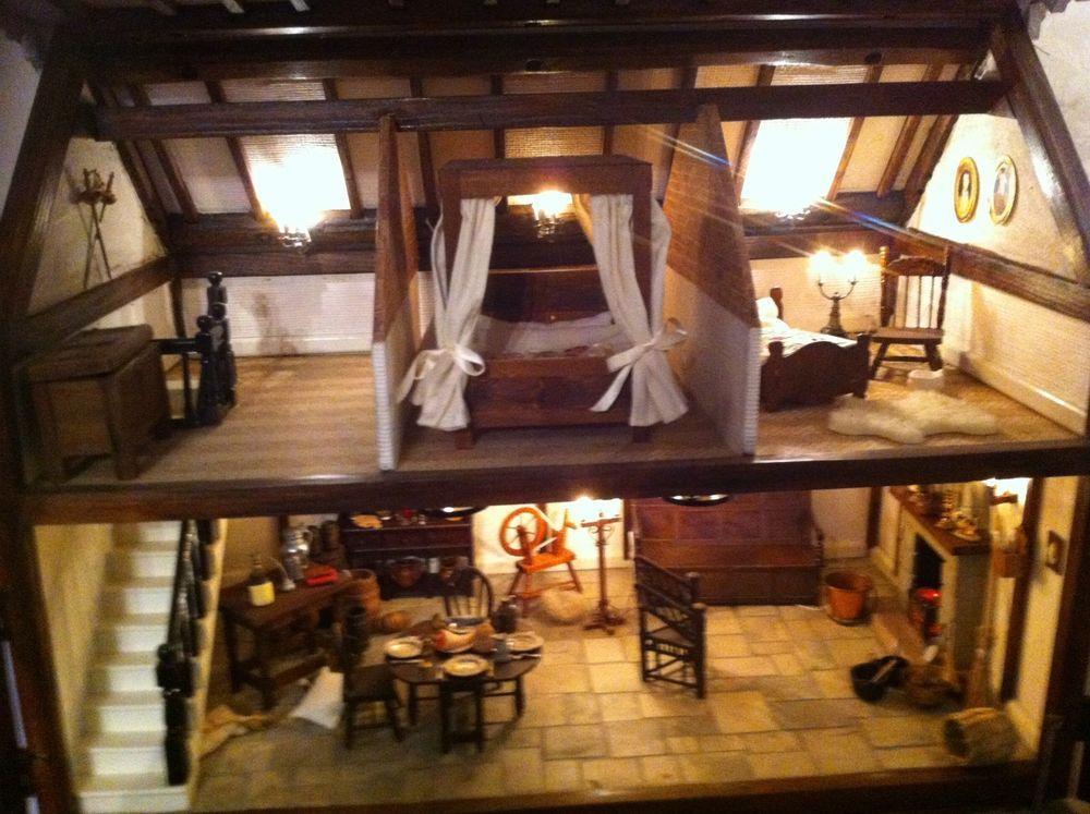 Stunning Vintage Bespoke Tudor Style Wood 12th Dolls House