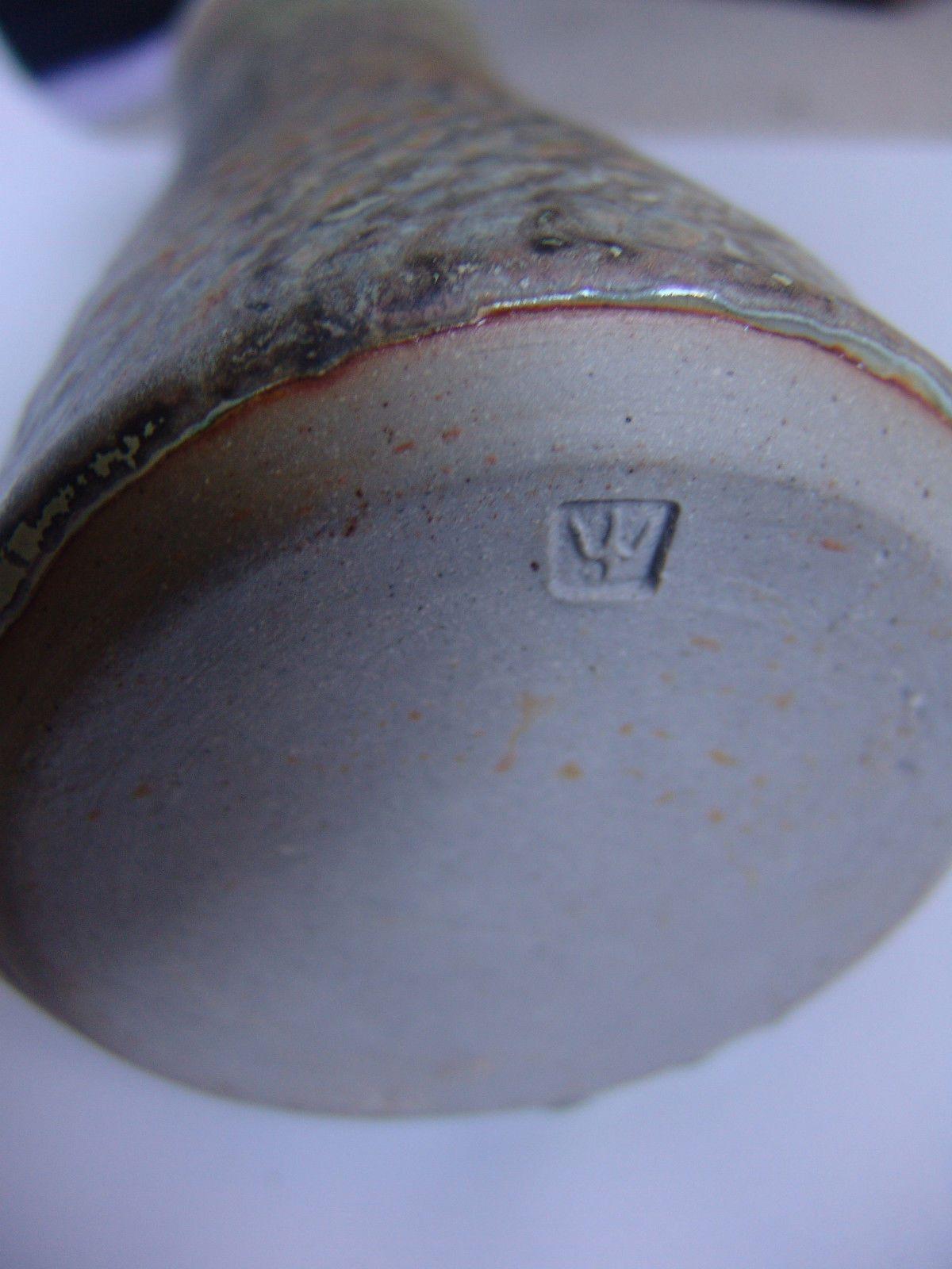 Will Illsley Wi Mark Iw Mark Studio Pottery Chop